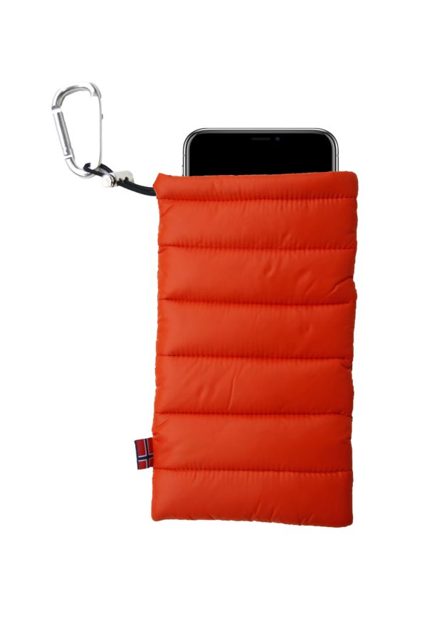 ThermoPoc insulated phone case on World Cup Ski Shop 1