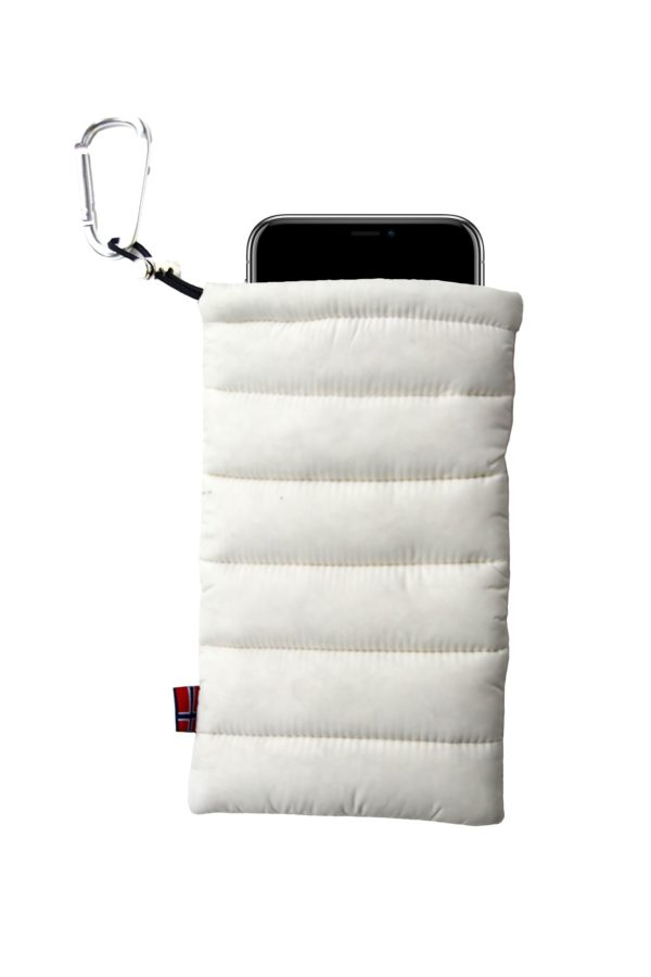 ThermoPoc insulated phone case on World Cup Ski Shop 5